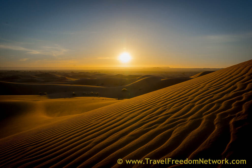 Sunrise in the sahara desert - BEST & WORST FOOD FUN TRAVEL EXPERIENCES OF 2015