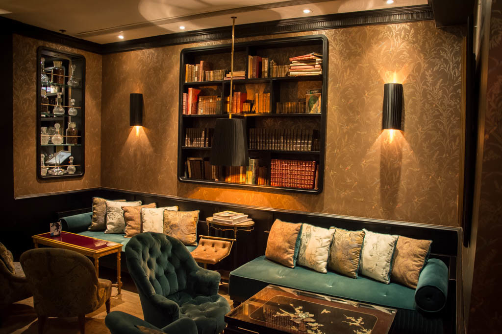 Alchemy concept resaurant Hong Kong - Decor